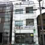 浅草界隈、ホテル営業許可済みビル1棟。上層階は住居。